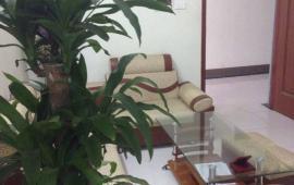 Cho thuê căn hộ CT11 Kim Văn Kim Lũ, thiết kế phòng ngủ. Giá 5 tr/tháng, LH: 0968238922