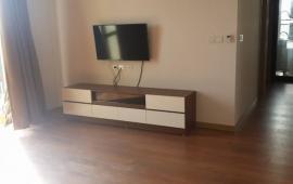Cho thuê căn hộ chung cư 27 Huỳnh Thúc Kháng, view hồ, nhà thoáng 13tr/th