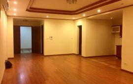 Cho thuê căn hộ chung cư Golden Land, Nguyễn Trãi 145m2, 3PN đồ cơ bản 12 tr/th. LH 0918441990