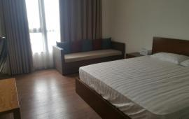Cho thuê gấp căn hộ 18 Phạm Hùng, diện tích 70m2, 2 phòng ngủ đủ đồ