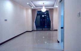 Cần cho thuê căn hộ chung cư Royal, 103m2, 2 PN cơ bản, 12.5 tr/th (bao phí dịch vụ tòa nhà)