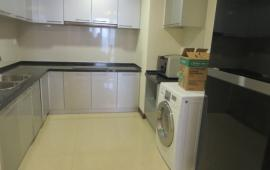 Cho thuê căn hộ chung cư Star Tower 283 Khương Trung, 92m2, 3 PN, đồ cơ bản nhà đẹp, giá 9 tr/th