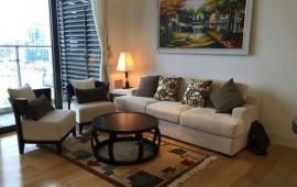 Cho thuê chung cư Royal City, 108m2, 2 phòng ngủ, đồ cơ bản, giá 15 triệu/th
