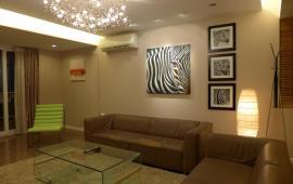 Chung cư Gp - Invest 170 Đê La Thành Đống Đa 98m2, 2 phòng ngủ đồ cơ bản, giá 12 triệu/th