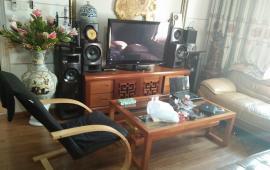 Cho thuê căn hộ chung cư 335 Cầu Giấy, DT 70m2, 2 phòng ngủ, đủ đồ giá 8tr/ tháng