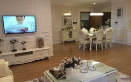 Cho thuê căn hộ chung cư cao cấp tại ngõ 379 Đội Cấn, 3 phòng ngủ full đồ. LH 0989329497
