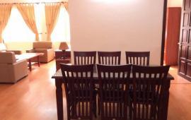 Cho thuê căn hộ chung cư tại V3–Văn Phú Victoria-Hà Đông. DT 120m2, 2 PN, 2 WC, gía 8 tr/th
