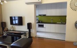 Chính chủ cho thuê căn hộ 173 Xuân Thủy, 3 phòng ngủ, đủ đồ ở ngay 11tr/tháng