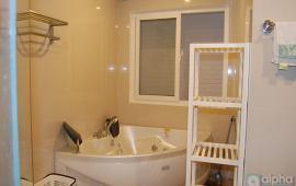 cho thuê nhà riêng tại Văn Cao, Ba Đình, 3 phòng ngủ, đầy đủ nội thất, giá 1000$, LH 01675417686