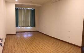 Cho thuê CHCC 170 Đê La Thành, tầng 12, 129m2, 2 phòng ngủ, nội thất cơ bản 10tr/tháng