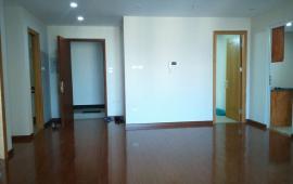 Cho thuê CHCC 170 Đê La Thành, tầng 9, DT 125m2, 2 phòng ngủ, nội thất cơ bản 10tr/tháng
