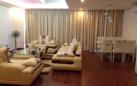 Cho thuê CHCC Golden Land, tầng 19, 132m2, 3 phòng ngủ, đủ đồ 14 tr /th. Lh: 0936325238