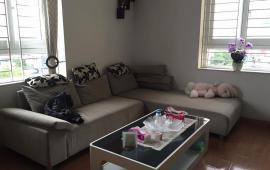 Cho thuê căn hộ chung cư 335 Cầu Giấy, 3 phòng ngủ nội thất hiện đại. Giá 10.5 triệu/tháng