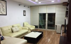 Cho thuê căn hộ 28 Tầng Làng Quốc tế Thăng Long, 2 PN, full nội thất, view hồ, 12 triệu/tháng