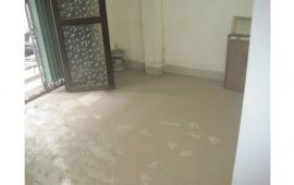 Cho thuê căn hộ tập thể tầng 1, khu văn phòng chính phủ Phương Mai