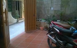 Cho thuê căn hộ tại Ngọc Hà, Ba Đình, khép kín với bếp mini, nội thất hiện đại theo phong thủy