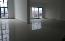 Cho thuê căn hộ Duplex tại Mulberry Lane, Mỗ Lao, căn góc 263m2, nội thất cơ bản. LH 0987.888.542