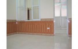 Cho thuê căn hộ tầng 1 tại Nguyễn Thái Học. DT 75m2