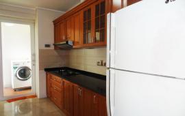Cho thuê căn hộ tầng 10 CCCC L2 Ciputra, 114m2, 3PN, đầy đủ nội thất đẹp, giá 22 tr/th