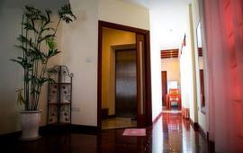 Cho thuê căn hộ chung cư tại đường Hàng Than, Hoàn Kiếm, Hà Nội diện tích 90m2 giá 13 triệu/th