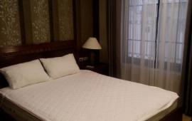 Cho thuê căn hộ dịch vụ khu Đào Tấn – Linh Lang, Ba Đình, DT 80m2, giá 900$