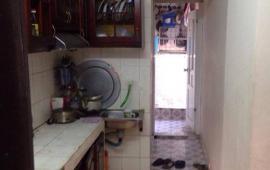 Cho thuê căn hộ tập thể tầng 4 tại Khâm Thiên