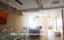 Cho thuê căn hộ tầng 10 chung cư cao cấp E1 Ciputra, 123m2, 3PN, giá: 15 triệu/tháng