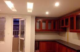 Cho thuê CHCC 165 Thái Hà, 120m2, 3PN, có sàn gỗ, tủ bếp, giá 12 tr/tháng