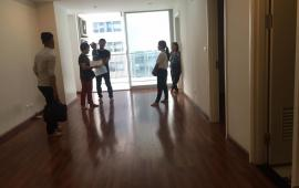 Cho thuê gấp căn hộ chung cư Mipec Tower tầng 07, diện tích 120m2, 3PN, đồ cơ bản, giá 13tr/th LH 0961610942