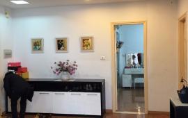 Cho thuê căn hộ chung cư 671 Hoàng Hoa Thám 2PN đủ đồ đẹp, LH: 0915 651 569