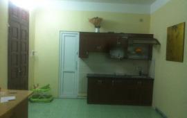 Cho thuê căn hộ 60m2, chung cư Đầm Nấm, Long Biên, giá 3,5 triệu/th