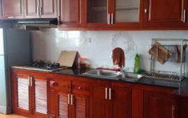 Cho thuê căn hộ chung cư Licogi 25 Tân Mai, 2 phòng ngủ đồ cơ bản 6,5 tr/th. LH: 0915 651 569