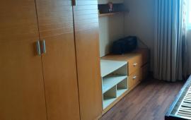 Cho thuê căn hộ chung cư 130 Nguyễn Đức Cảnh, 2 phòng ngủ nội thất cơ bản 6,5 tr/th. 0915 651 569