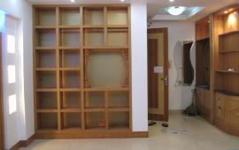 Cho thuê căn hộ chung cư Yên Hòa Condominium, 2 phòng ngủ đồ cơ bản 9tr/th LH: 0915 651 569