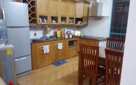 Cho thuê căn hộ 27 Huỳnh Thúc Kháng, 120 m2, 2 phòng ngủ, có đồ, giá 12 tr/tháng. LH: 0936 381 602