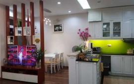Cho thuê căn hộ 170 Đê La Thành, dt 135 m2, 2 phòng ngủ, full đồ, giá 12 tr/tháng. LH: 0936 381 602