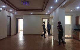 Cho thuê căn hộ chung cư N05- Hoàng Đạo Thúy, 155m2, 3 phòng ngủ, không đồ, 14 triệu/ tháng