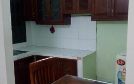 Cho thuê căn hộ chung cư A6B Nam Trung Yên, 1 phòng ngủ đồ cơ bản LH: 0915 651 569
