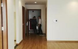 Cho thuê CHCC Golden Land  tầng 18, 110m2, 2 Phòng Ngủ sáng, đồ cơ bản  10 tr/tháng. Lh 0918441990