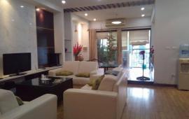 Cần cho thuê gấp căn hộ cao cấp 57 Láng Hạ, DT: 128m2, đủ đồ, giá 15 triệu/th, LH: 0942487075