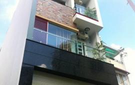 Nhà riêng 3,5 tầng  ngõ 75 Vĩnh Phúc. MT 3.1m, 4 PN, full đồ. Ôtô vào tận nhà.