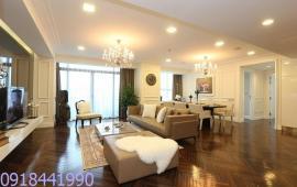 Cho thuê căn hộ Vincom, tầng 22, 161m2, 3 phòng ngủ thoáng, căn góc, đủ đồ 35tr/tháng