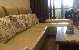 Cho thuê CHCC tại 136 Hồ Tùng Mậu 2 phòng ngủ, nội thất đầy đủ, giá 10 triệu/ tháng. LH: 0936356604 anh Đức