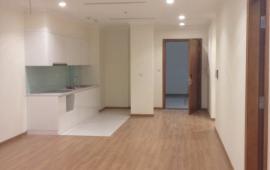 Cho thuê căn hộ chung cư Center Point, Lê Văn Lương, 2 phòng ngủ, đồ cơ bản LH 0968274316