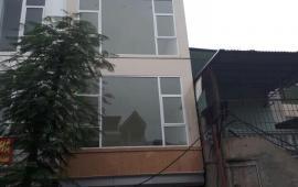 Cho thuê nhà riêng tại Đội Cấn – Vạn Phúc 40m2x 6 tầng mt 4,6m 32tr