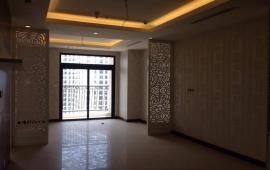 Cho thuê CHCC Royal City, tòa R3, 120m2, 2PN, đồ cơ bản, tầng 10 view quảng trường, giá 15tr/th