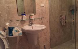 Cho thuê căn hộ chung cư Hòa Bình Green diện tích 70m2 thiết kế 2 phòng ngủ, full đồ, giá 11tr/tháng. Call: 0987.475.938