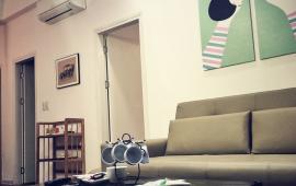 Cho thuê căn hộ chung cư Golden Land 92m2, 2 ngủ, nội thất cơ bản giá 10tr/th- LH: 0987.475.938