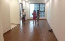 Cho thuê căn hộ chung cư 51 Quan nhân, 2 ngủ, đồ cơ bản, 8tr/thg. Lh Mr Dũng 0968530203.
