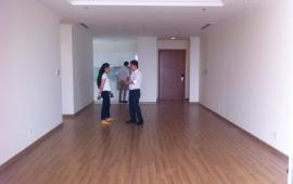 Cho thuê CHCC Vinhomes tầng 18, 4 phòng ngủ, nội thất cơ bản, 167 m2 24tr/tháng
